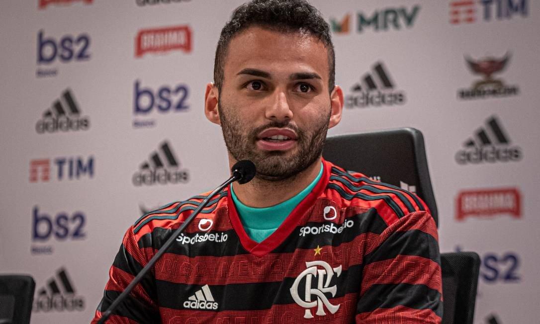 Muito além do carisma: queridinho da torcida, Thiago Maia conquista Dome e se destaca no Flamengo